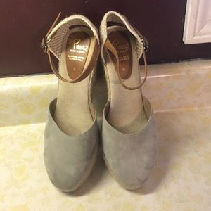 Suede Italian leather Clog wedge.